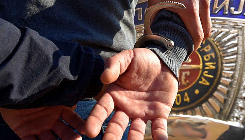 Uhapšen zbog otimanja torbice sa novcem, karticama i telefonom