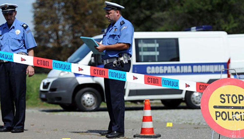 Automobili izleteo s auto-puta – dve osobe teško povređene
