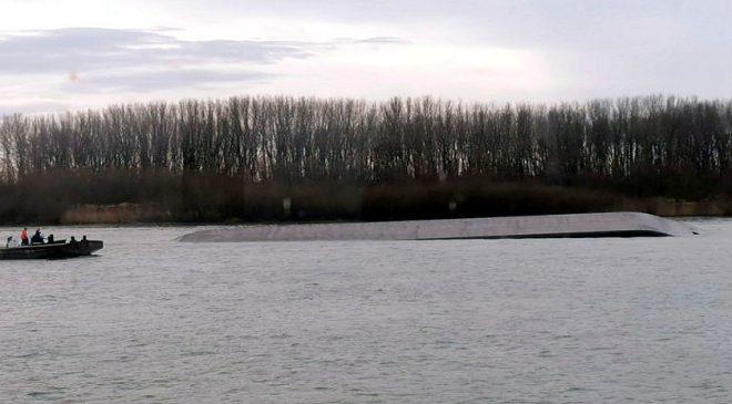Havarija na Dunavu: prevrnula se barža, srećom sve prošlo bez povređenih